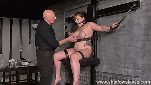 Tied slave Taylor Hearts breast bondage and elastic punishment of nipples