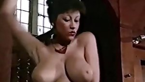 FUNKYTITS - vintage British big boobs strip dance